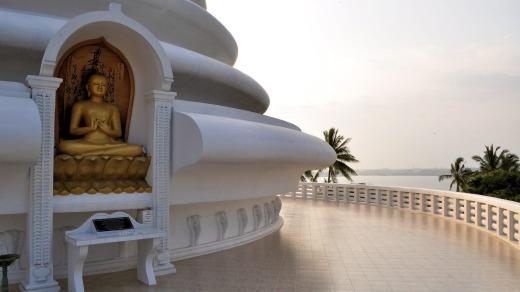 لمحة من المعبد البوذي