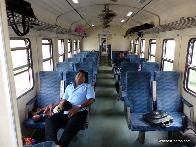رحلة القطار من كولومبو إلى بولوناروا